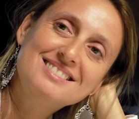Lorella Dia - Profile