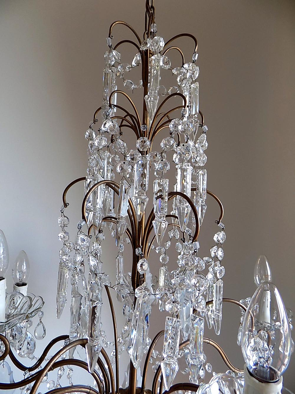 Italian vintage 9 arms chandelier with rare shaped crystals lightbox arubaitofo Choice Image