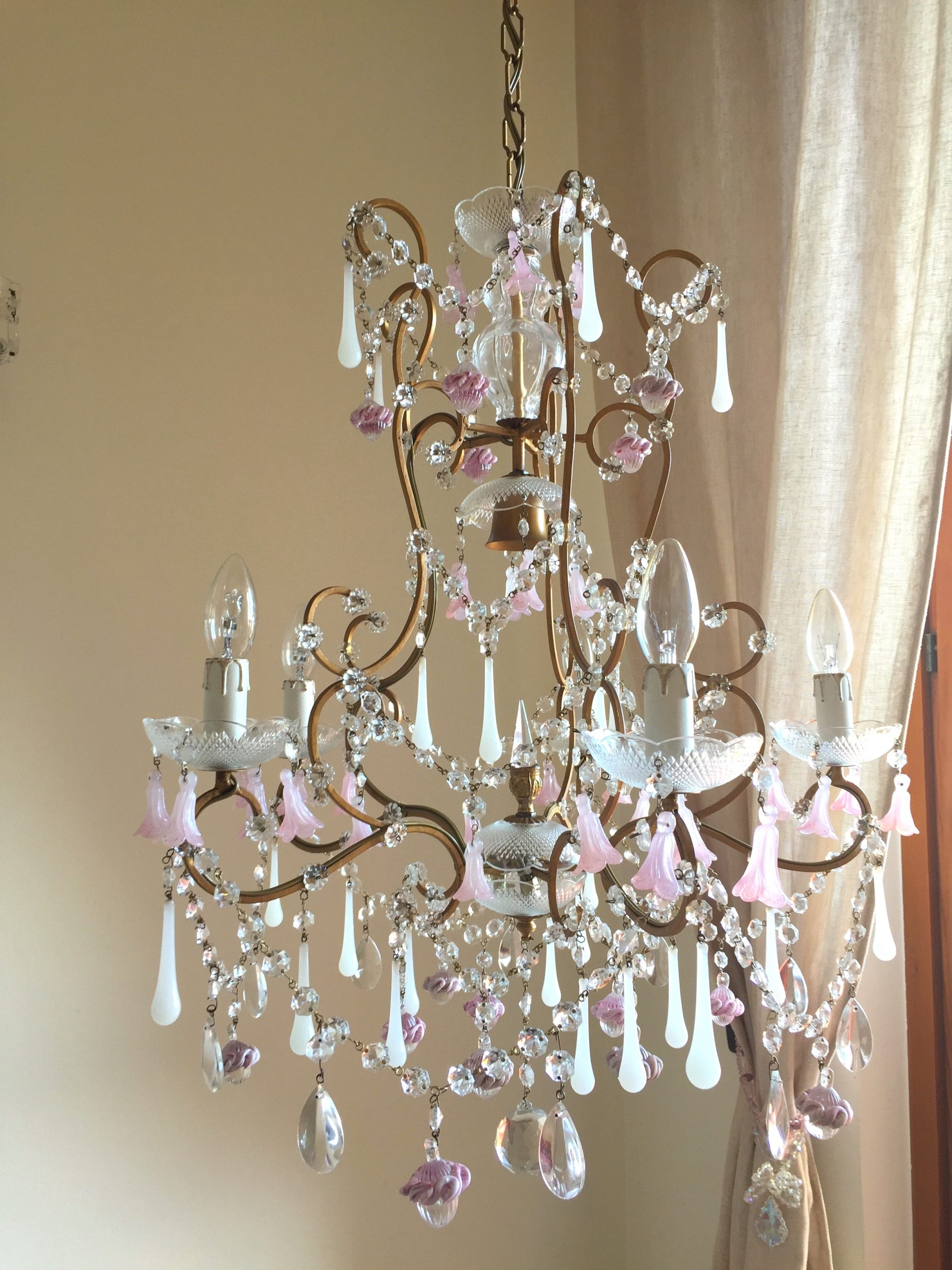 Rare Murano opaline glass pendants chandelier