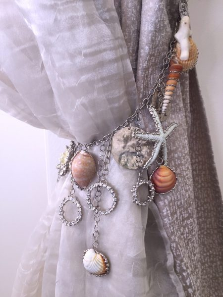 Costal cottage shells and starfish tieback